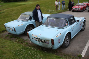 Neil's TR5 gets close inspection from one of the Irish Triumph Club Triumph lads.