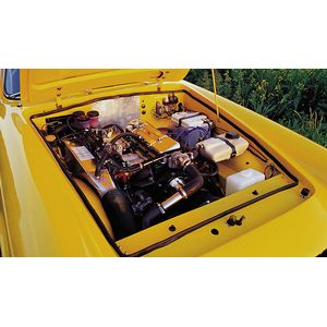 full Electronic Fuel Injection in an Italia